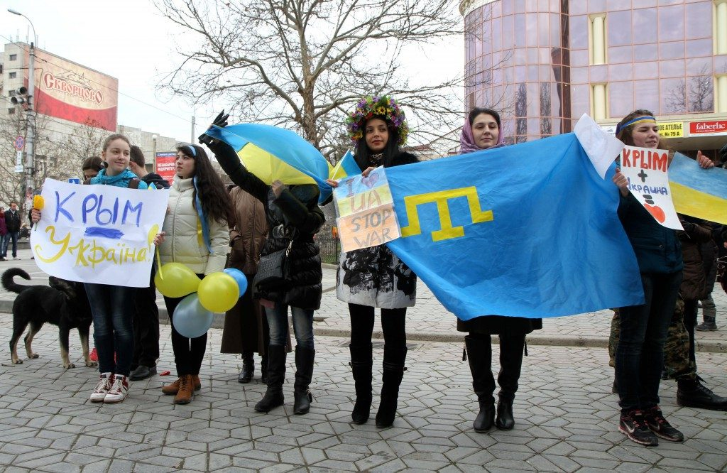'Crimea is Ukraine': Pro-Ukrainian Demonstrators Show Their Support. Image Source: nbcnews.com