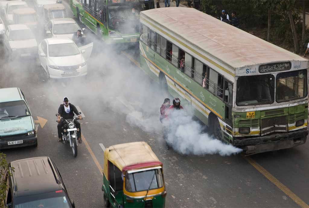 Delhi's Odd-Even Initiative cause a considerable change in traffic. Image Source: www.huffingtonpost.com
