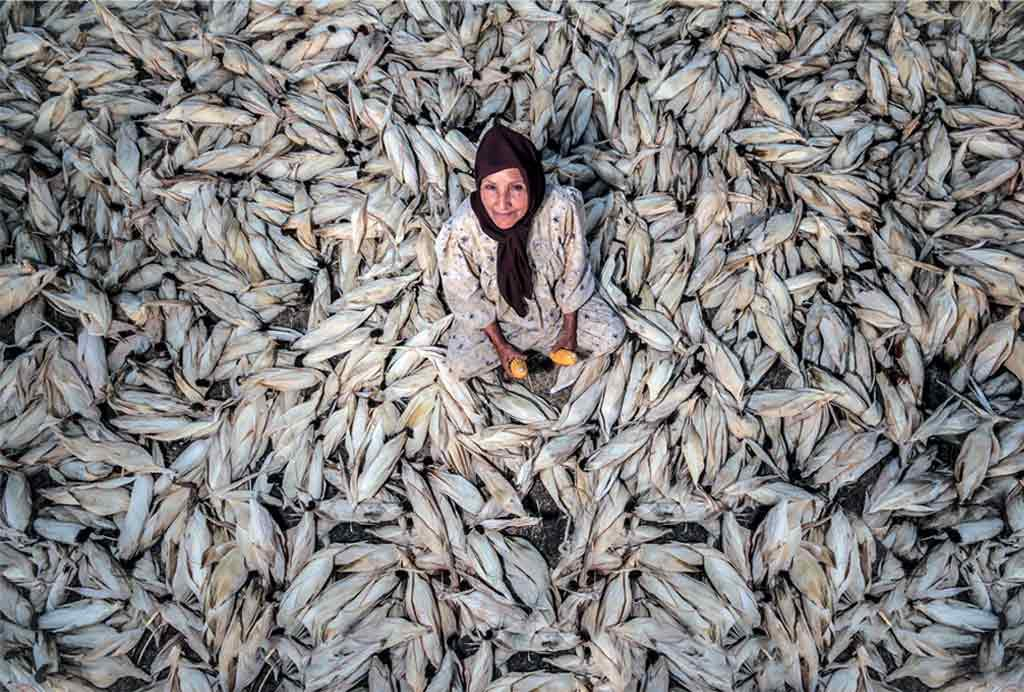 natgeo-fish-woman
