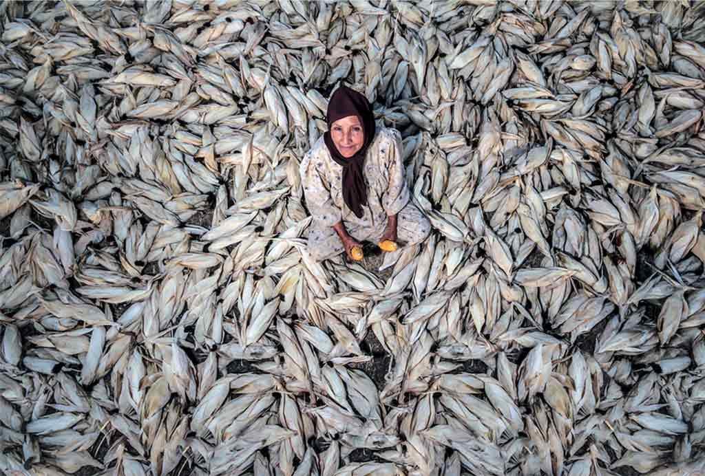 natgeo-fish-woman