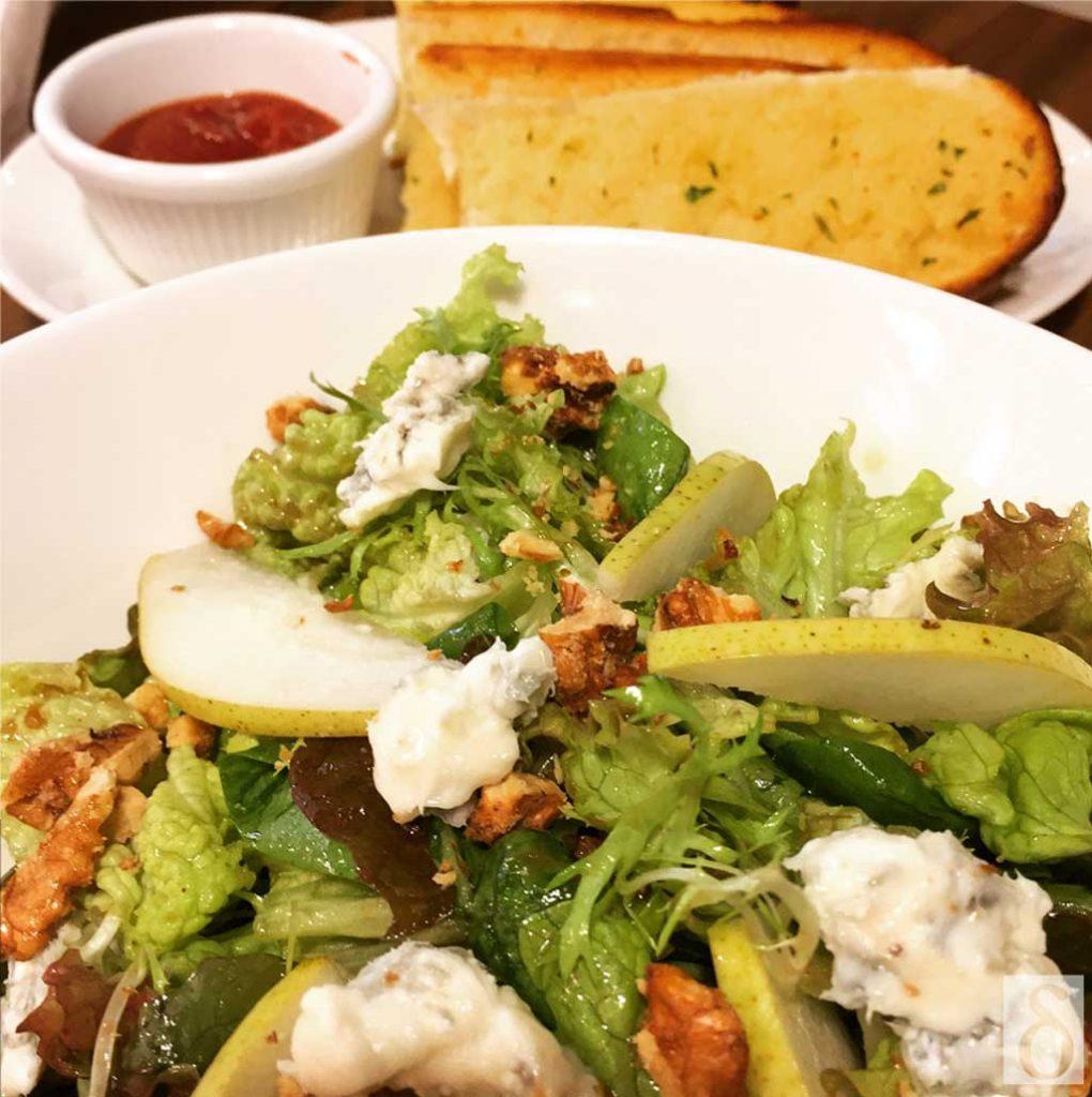 zpizza-salad